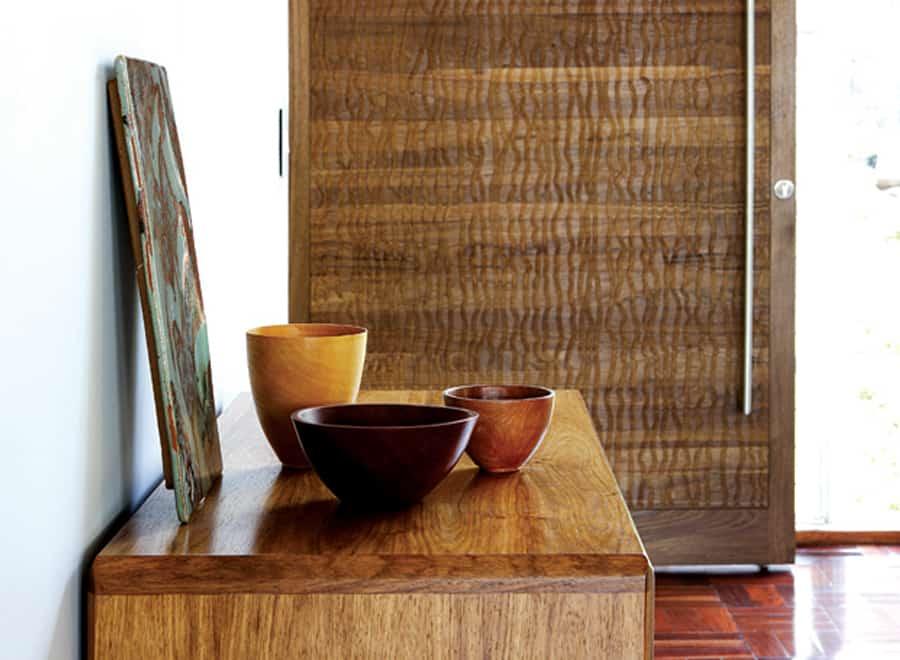 Oak elements for Johannesburg apartment design