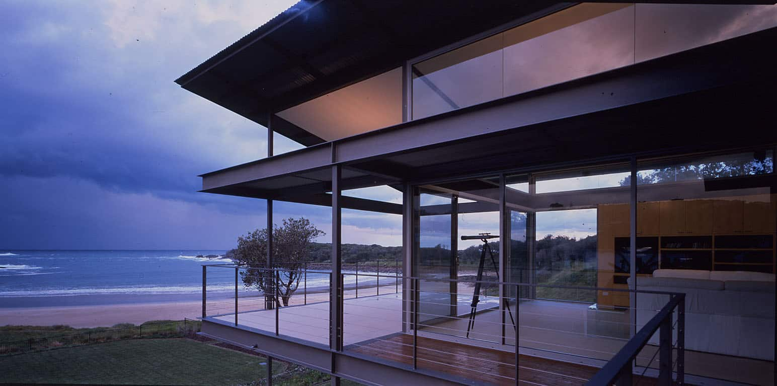 Bold floating roof architecture in Boat Harbour